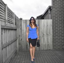 img_bluedress_2